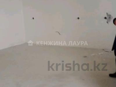 3-комнатная квартира, 101 м², 10/18 этаж, Кенесары за 27.9 млн 〒 в Нур-Султане (Астана), Сарыарка р-н — фото 13