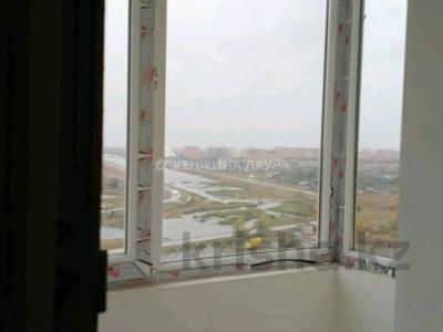 3-комнатная квартира, 101 м², 10/18 этаж, Кенесары за 27.9 млн 〒 в Нур-Султане (Астана), Сарыарка р-н — фото 15