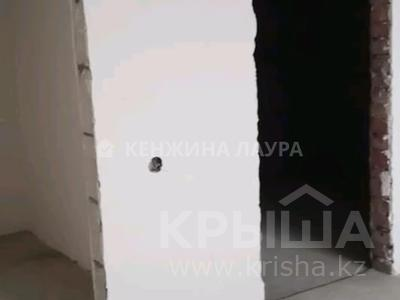 3-комнатная квартира, 101 м², 10/18 этаж, Кенесары за 27.9 млн 〒 в Нур-Султане (Астана), Сарыарка р-н — фото 4