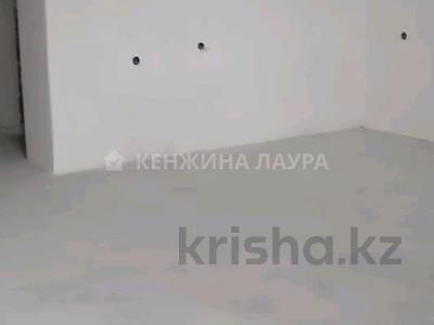 3-комнатная квартира, 101 м², 10/18 этаж, Кенесары за 27.9 млн 〒 в Нур-Султане (Астана), Сарыарка р-н — фото 5