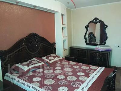1-комнатная квартира, 70 м², 6/9 этаж по часам, Каратал — 4мкр -5мкр за 1 500 〒 в Талдыкоргане — фото 2