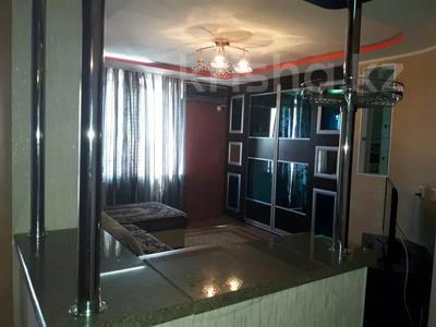 1-комнатная квартира, 70 м², 6/9 этаж по часам, Каратал — 4мкр -5мкр за 1 500 〒 в Талдыкоргане — фото 3
