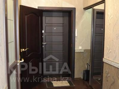2-комнатная квартира, 60 м², 1 этаж посуточно, Проспект Нурсултана Назарбаева 54 — Ленина за 8 000 〒 в Караганде, Казыбек би р-н — фото 8