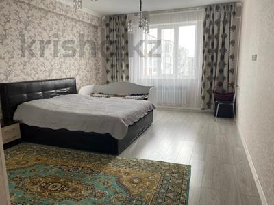 3-комнатная квартира, 112 м², 9/10 этаж, мкр Аксай-4, Саина за 53 млн 〒 в Алматы, Ауэзовский р-н