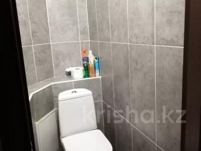 2-комнатная квартира, 52 м², 6/9 этаж, проспект Богенбай батыра 63 за 15 млн 〒 в Нур-Султане (Астана), Сарыаркинский р-н — фото 9