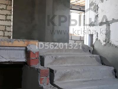 7-комнатный дом, 200 м², 10 сот., Карьерная 20 за 25 млн 〒 в Рудном — фото 2