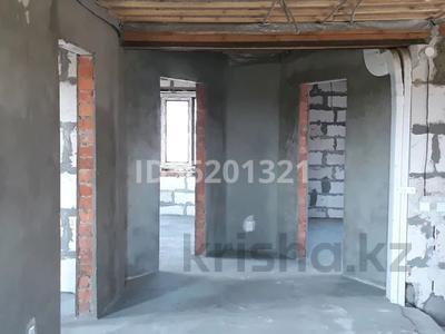 7-комнатный дом, 200 м², 10 сот., Карьерная 20 за 25 млн 〒 в Рудном — фото 3