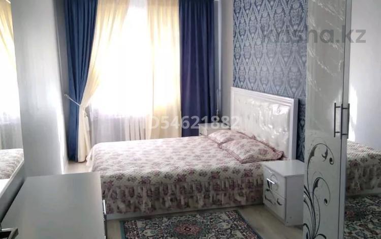 3-комнатная квартира, 60 м², 4/5 этаж посуточно, Республика 20 за 13 000 〒 в Шымкенте