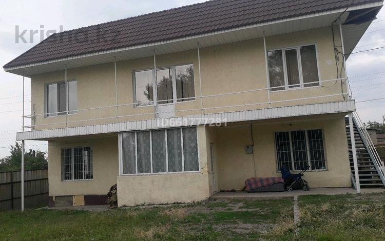 6-комнатный дом, 233 м², 8 сот., улица Батана Тажиулы Темирбекова 53а за 20 млн 〒 в Жандосов