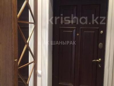 3-комнатная квартира, 110 м², 3 этаж помесячно, Ивана Панфилова 14 за 350 000 〒 в Нур-Султане (Астана), Алматы р-н — фото 10