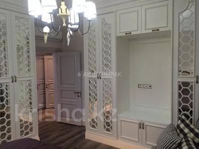 3-комнатная квартира, 110 м², 3 этаж помесячно, Ивана Панфилова 14 за 350 000 〒 в Нур-Султане (Астана), Алматы р-н — фото 12