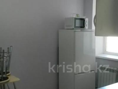 3-комнатная квартира, 89 м², 10/10 этаж помесячно, Ермекова 106/6 за 120 000 〒 в Караганде, Казыбек би р-н — фото 3