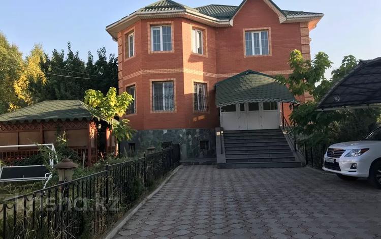 6-комнатный дом помесячно, 364 м², мкр Таугуль-3, Исаева 27 за 1 млн 〒 в Алматы, Ауэзовский р-н