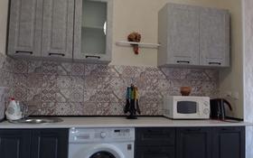 2-комнатная квартира, 65 м², 3/11 этаж помесячно, 27-й мкр 85 за 120 000 〒 в Актау, 27-й мкр