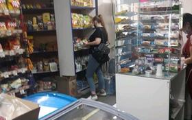 Магазин площадью 30.3 м², мкр Майкудук, 14й микрорайон 2 за 7.2 млн 〒 в Караганде, Октябрьский р-н