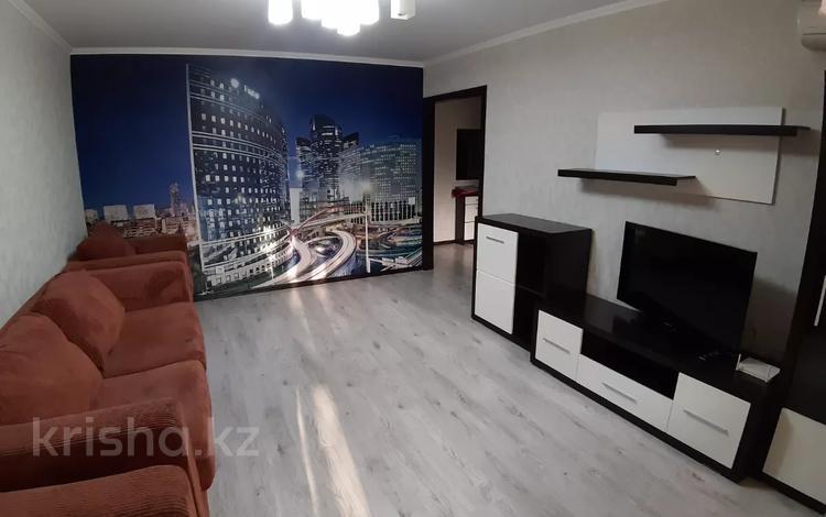 1-комнатная квартира, 35 м² по часам, Катаева 46 за 500 〒 в Павлодаре