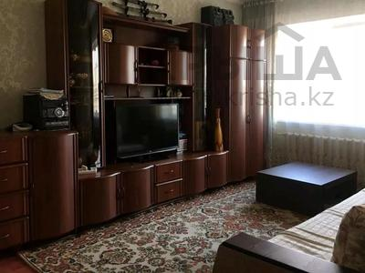 2-комнатная квартира, 60 м², 5/9 этаж, мкр Аксай-5, Бауыржана Момышулы — Жубанова за 18.3 млн 〒 в Алматы, Ауэзовский р-н