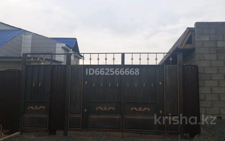 6-комнатный дом, 130 м², 10 сот., Сакена Сейфуллина 5 — Богенбай за 20 млн 〒 в Талапкере