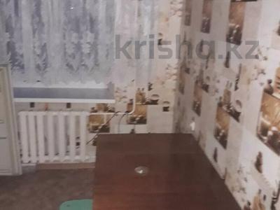 2-комнатная квартира, 45 м², 2/5 этаж, Камзина 30 за 4.2 млн 〒 в Аксу — фото 2