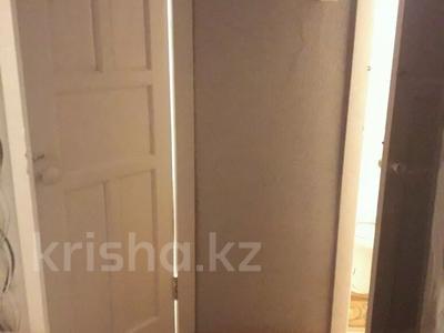 2-комнатная квартира, 45 м², 2/5 этаж, Камзина 30 за 4.2 млн 〒 в Аксу — фото 5