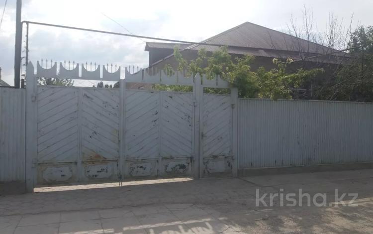 8-комнатный дом, 136.5 м², 8 сот., ул. 2 переулок Есей би 45 за 13.4 млн 〒 в Таразе