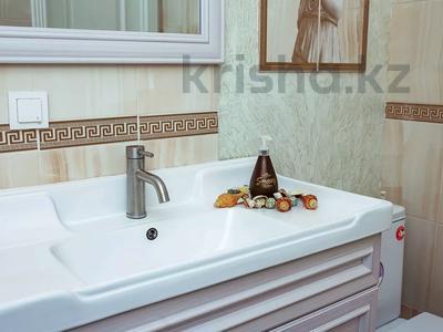 2-комнатная квартира, 65 м², 12/12 этаж посуточно, Тажибаевой — Ескараева за 13 000 〒 в Алматы, Бостандыкский р-н — фото 56
