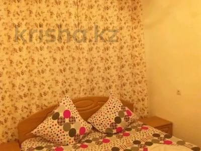 2-комнатная квартира, 65 м², 1/5 этаж посуточно, Азаттык 5 Б за 8 000 〒 в Атырау