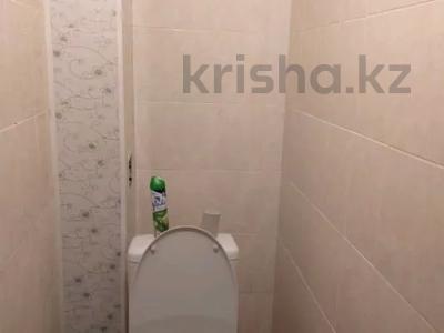 2-комнатная квартира, 65 м², 1/5 этаж посуточно, Азаттык 5 Б за 8 000 〒 в Атырау — фото 3
