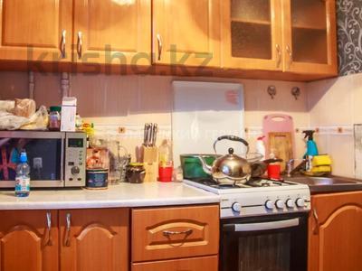 3-комнатная квартира, 60 м², 4/4 этаж помесячно, мкр №6, Мкр №6 38 — Абая за 100 000 〒 в Алматы, Ауэзовский р-н — фото 3