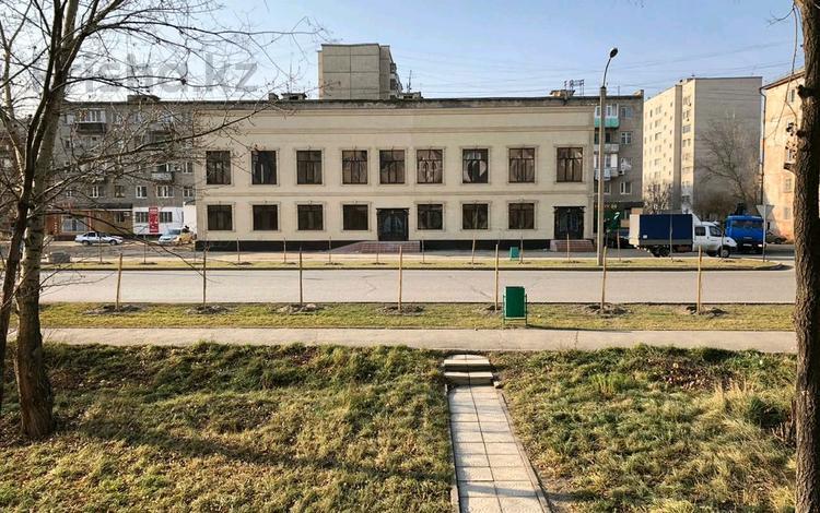Здание, площадью 700 м², Карменова 4А за 200 млн 〒 в Семее