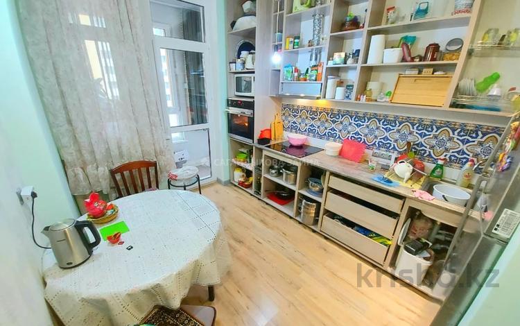 2-комнатная квартира, 65 м², 3/6 этаж, Алихан Бокейхан 38 за 33.8 млн 〒 в Нур-Султане (Астана), Есиль р-н