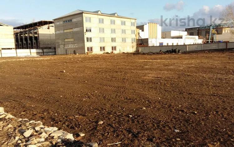 Здание с участком за 90 млн 〒 в Петропавловске