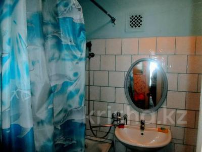 1-комнатная квартира, 50 м², 1/5 этаж посуточно, Ескалиева 186 — проспект Достык-Дружба за 6 000 〒 в Уральске