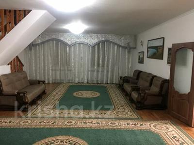 6-комнатный дом, 300 м², 10 сот., Мустафа Шокай 233 — Астана за 42 млн 〒 в  — фото 3