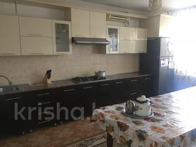 6-комнатный дом, 300 м², 10 сот., Мустафа Шокай 233 — Астана за 42 млн 〒 в  — фото 4