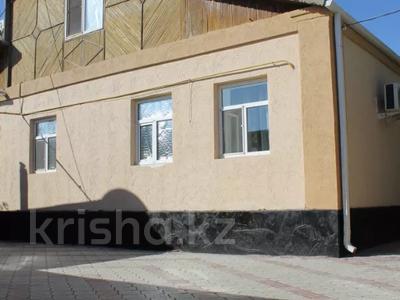 6-комнатный дом, 300 м², 10 сот., Мустафа Шокай 233 — Астана за 42 млн 〒 в