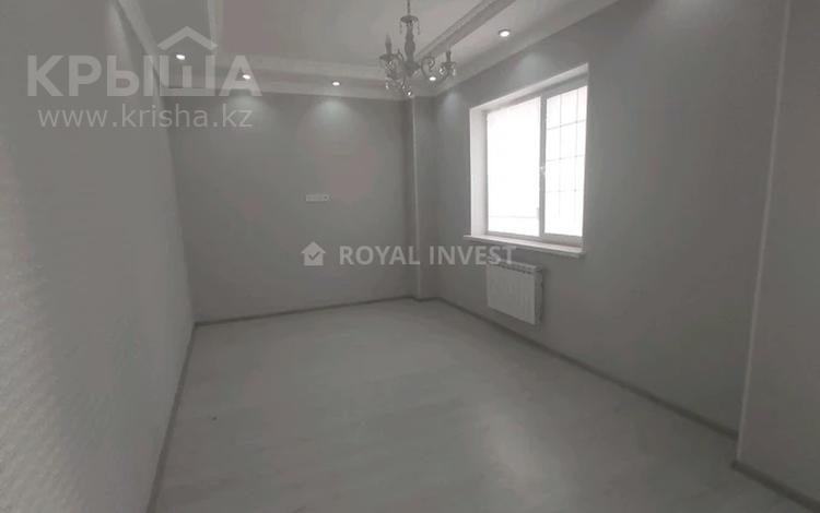 2-комнатная квартира, 63 м², 4/17 этаж, Кунаева 91 за 27 млн 〒 в Шымкенте, Аль-Фарабийский р-н