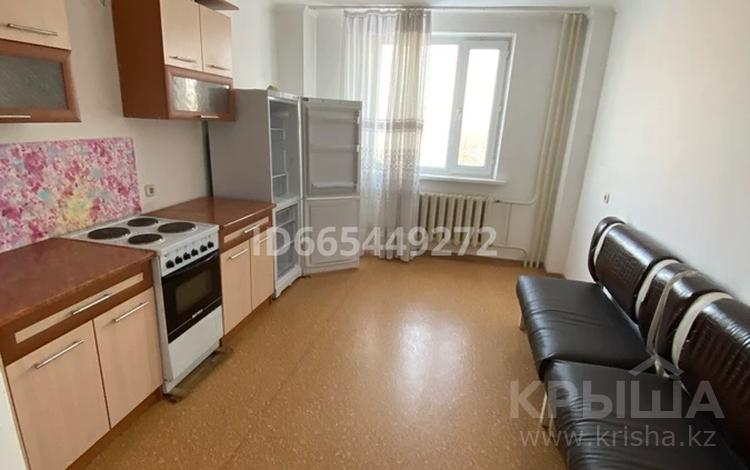 1-комнатная квартира, 54 м², 4 этаж, Кенесары 70 за 18 млн 〒 в Нур-Султане (Астане), р-н Байконур