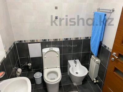 2-комнатная квартира, 80 м², 6/8 этаж помесячно, Достык 12 за 350 000 〒 в Алматы, Медеуский р-н — фото 15