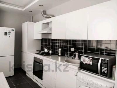 2-комнатная квартира, 73 м², 8/9 этаж посуточно, Сарыарка 40 за 13 990 〒 в Атырау — фото 9
