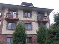 8-комнатный дом, 440 м², 10.5 сот.