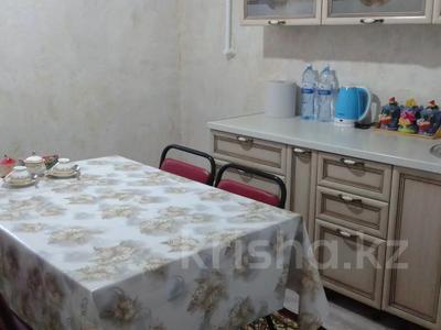 3-комнатная квартира, 90 м², 1/2 этаж помесячно, Центральная 6 за 200 000 〒 в Кульсары — фото 15