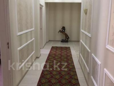 2-комнатная квартира, 90 м², 3 этаж помесячно, 17-й мкр 7 за 200 000 〒 в Актау, 17-й мкр — фото 2