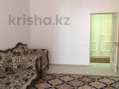 2-комнатная квартира, 90 м², 3 этаж помесячно, 17-й мкр 7 за 200 000 〒 в Актау, 17-й мкр — фото 8