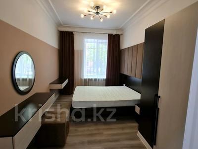 2-комнатная квартира, 60 м², 1/4 этаж помесячно, проспект Нурсултана Назарбаева 32 за 200 000 〒 в Караганде — фото 3