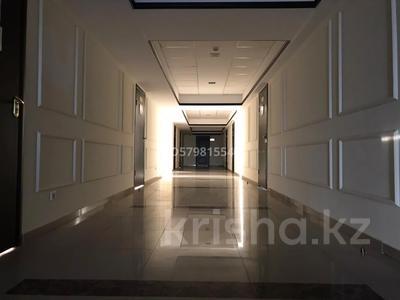 Офис площадью 40 м², Ханов Керея и Жанибека 18 — Туркестан за 4 990 〒 в Нур-Султане (Астана), Есиль р-н — фото 17