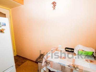3-комнатная квартира, 62 м², 1/4 этаж, мкр Аксай-2, Елемесова 7 за 22 млн 〒 в Алматы, Ауэзовский р-н — фото 14