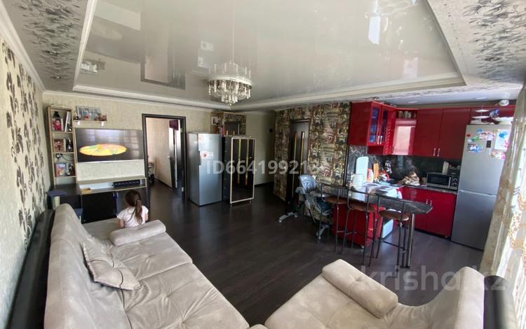 2-комнатная квартира, 44 м², 4/5 этаж, мкр Михайловка , Крылова 14 за ~ 15 млн 〒 в Караганде, Казыбек би р-н