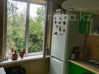 3-комнатная квартира, 65 м², 4/5 этаж, Валиханова — Такмакская за 24.5 млн 〒 в Алматы, Медеуский р-н — фото 6
