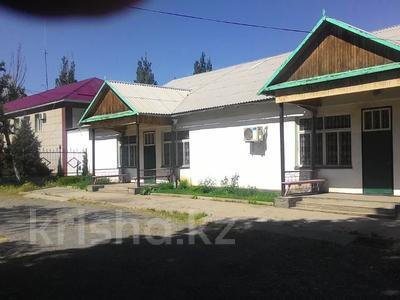 Магазин площадью 306.1 м², Мухтара Ауэзова 33 за 11 млн 〒 в Сарканде